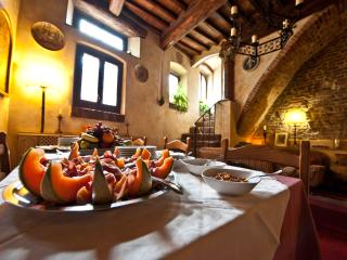 Locanda Linando II B&B in a 14th Century House