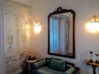 Stunning 18thC apartment in the historical centre, Palermo