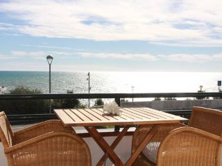Incredible and cozy apartment in front of the sea, Sitges