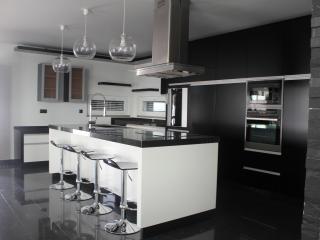 Villa Design de plein pied , confort et piscine, Santarem