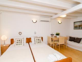 Divina Apartments- Comfort Studio, Dubrovnik
