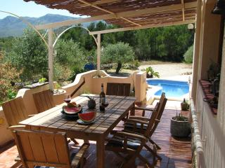 Casa Peregil with salt water pool!, El Perello