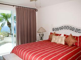 Casita Bedroom 5 - king.