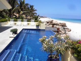 The Beach House - 6 Bedrooms, Cabo San Lucas