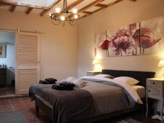 St-Emilion room, total charm for up to 3 persons