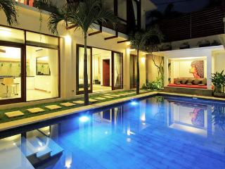 Luxury Villa in Heart of Seminyak - Indila Villa
