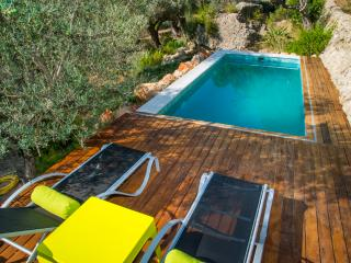 VILLA BINIARROI   6PAX   POOL