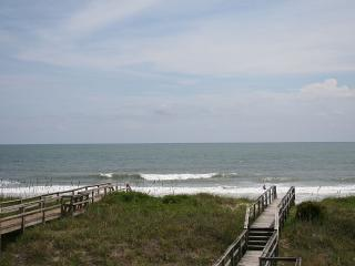 """The Lookout"" Oceanfront Condo Carolina Beach - Free Linens, Housekeeping, Wifi"