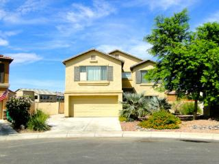 4 BEDROOM 2,5 BATHS WITH POOL IN MARICOPA, Maricopa