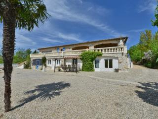 beautiful house with amasing pool and vue over thececevennes, Molieres-sur-Ceze