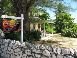 Castaway by the Sea - Lodge, Bodden Town
