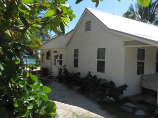 Castaway by the Sea - Cottage, Bodden Town
