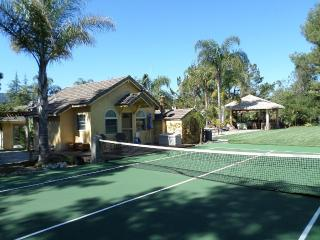 Charming Private Cottage Close to Stanford, Woodside