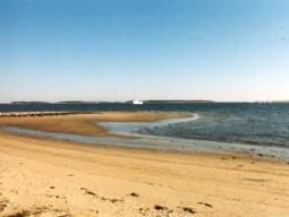 Seaside Comfort w/Beach & Great Views!, West Yarmouth