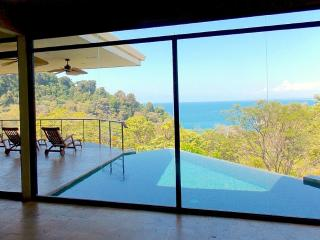 Luxurious 5 Bed 4.5 BA Home with Amazing Views, Aripeka