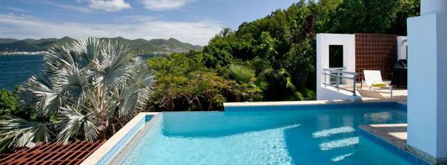 Villa Amaryllis 4 + 1 Bedroom SPECIAL OFFER, Simpson Bay