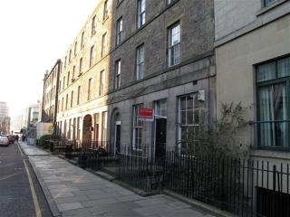 Budget City centre Apartment, Edinburgh