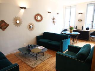 Salon / Salle à manger  de 30m2 / Living and dining room 322p2