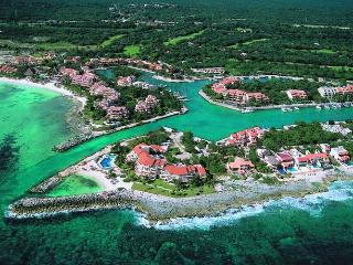 Comfortable and Relaxing Condo on the Golf Course, Puerto Aventuras
