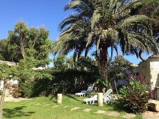 Maredinotte - Casa Rossa, un giardino per te, Punta Secca