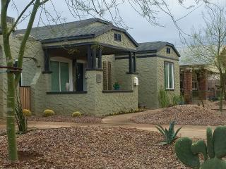 New On The Market - Renovated & Gorgeous Bungalow, Phoenix