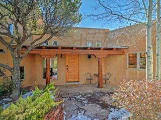 Wonderful 3BR Santa Fe Home w/Stunning Interior, Fireplace & Breathtaking Arroyo Views - 10 Minutes from Historic Santa Fe Plaza!