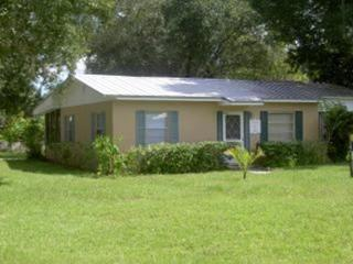 Bargain Cozy Cottage - Central Location, Vero Beach