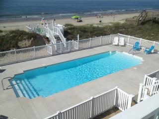 Aug 12/Aug 19 are ONLY Summer wks left! OCEANFRONT POOL HOME - EMERALD ISLE, NC
