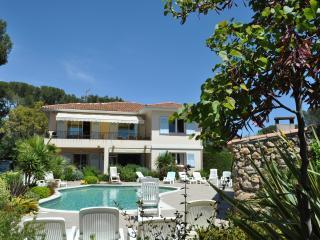 APPART T4, 110m2, ds villa , piscine,proximité mer, St-Raphaël