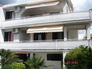 Apartments 6+3