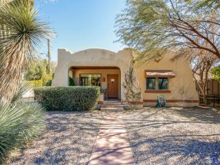 Serene 2BR Tucson Bungalow House w/Beautiful Porch
