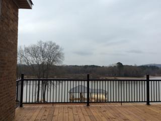 Chickamauga Lake luxury House & Private Dock/ Boat, Decatur