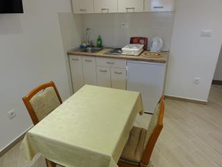 Apartment Ivo Makarska 2 for 3 persons