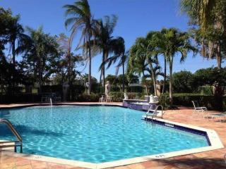 Amazing 3 bedroom condo in resort style community, West Palm Beach