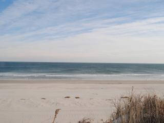 4BR Lower unit of Oceanfront Duplex with views in Holgate