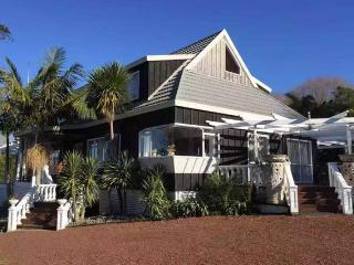 Silver Waters Lodge, Auckland