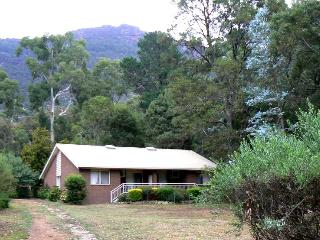 Sundial Holiday Apartment Two, Halls Gap