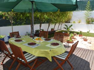 Charming 3- bedroom villa close to the beach, Alvor