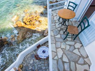 House with veranda in the Aegean sea, Piso Livadi