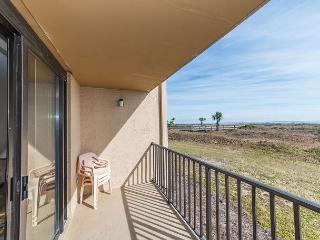 Island Club 2103, 2 Bedrooms, Oceanfront, Large Pool, Hot Tub, Sleeps 8, Hilton Head