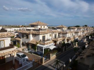 Villa with pool, wifi, beaches, golf (sleeps 6)