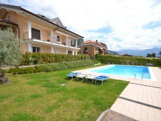 Appartamento in residence con piscina, Lenno