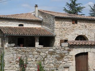 Maison en pierre rénovée, Les Assions