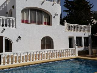 4 bedroom villa with private pool and wi-fi, Moraira