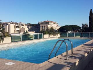 Golfe Juan, beau 2 p., piscine sur toit, 5min mer., Golfe-Juan Vallauris