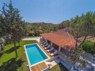Dream Luxury Private villa, Laganas