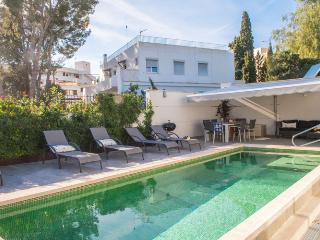Modern,design villa completely renovated with pool
