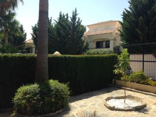 3 bed Townhouse in El Paraiso