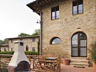 La Roccaia beautiful apartment near San Gimignano, Ulignano