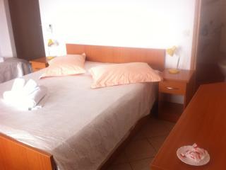 Juric apartmani, Baska Voda